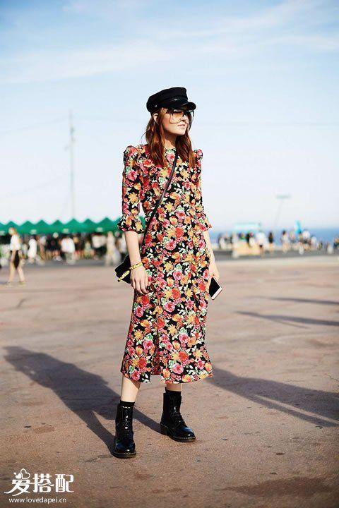 印花连衣裙+贝雷帽+骑士靴